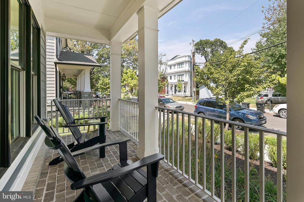 Welcoming front porch for greeting neighbors - 2408 16TH ST N, ARLINGTON
