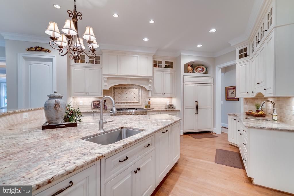 Home has two dishwashers - 8305 CRESTRIDGE RD, FAIRFAX STATION