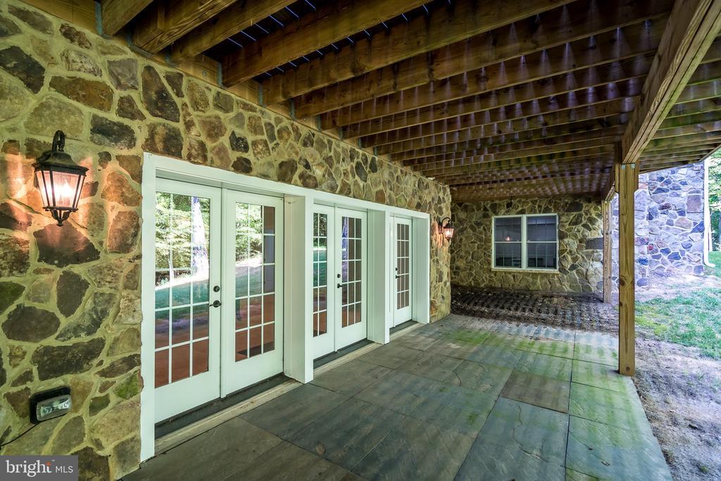 Lower level patio - 8305 CRESTRIDGE RD, FAIRFAX STATION