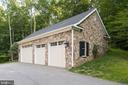 Home has five garages - 8305 CRESTRIDGE RD, FAIRFAX STATION