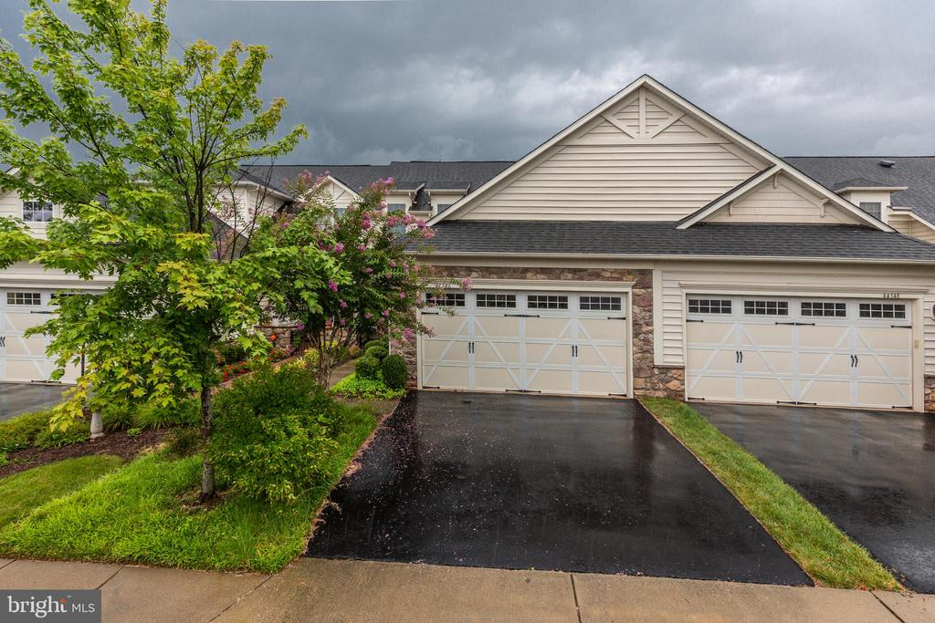 - 44346 SUNSET MAPLE DR, ASHBURN