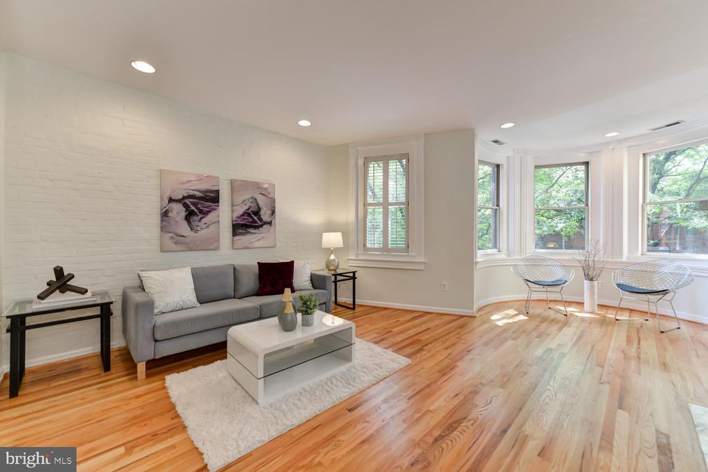 Spacious living area - 1313 RHODE ISLAND AVE NW #B, WASHINGTON