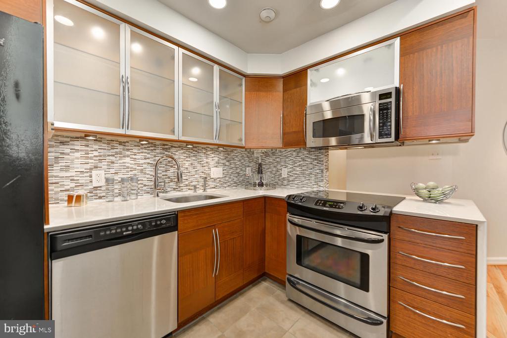 Gourmet kitchen - 1313 RHODE ISLAND AVE NW #B, WASHINGTON