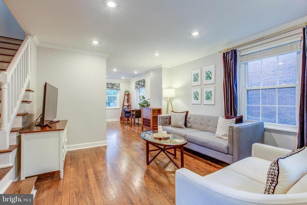 Recessed Lighting and Crown Molding - 4318 36TH ST S, ARLINGTON