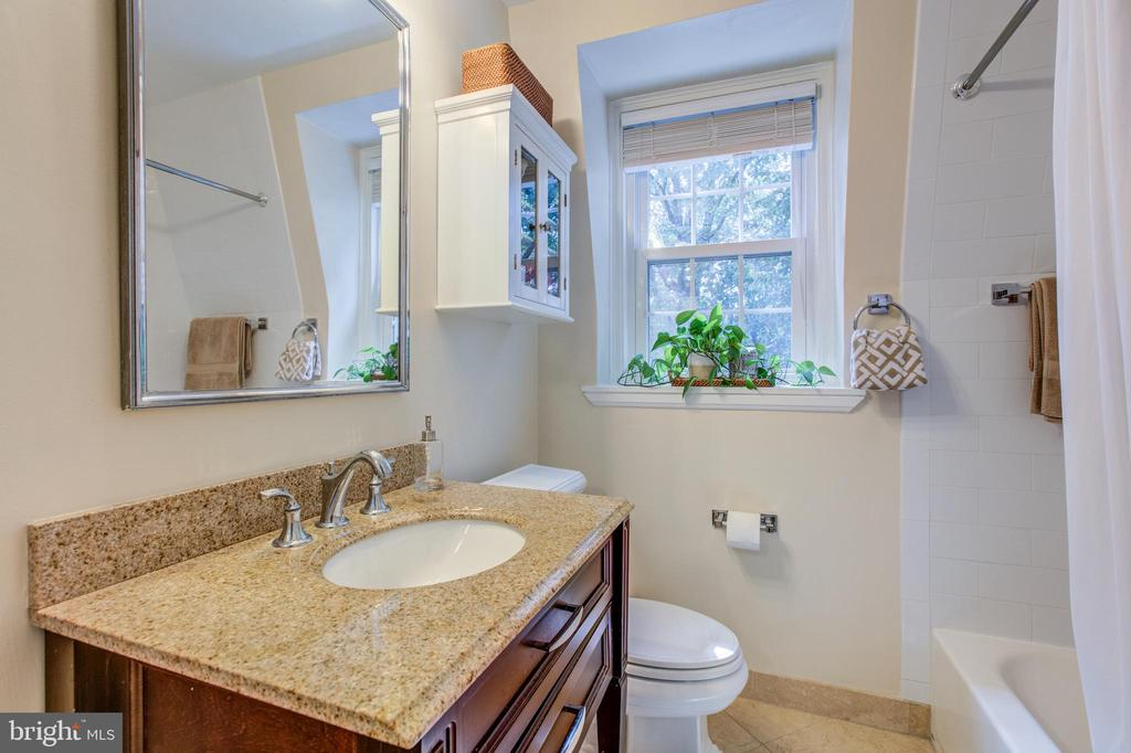 Luxury Master Bath - 4318 36TH ST S, ARLINGTON