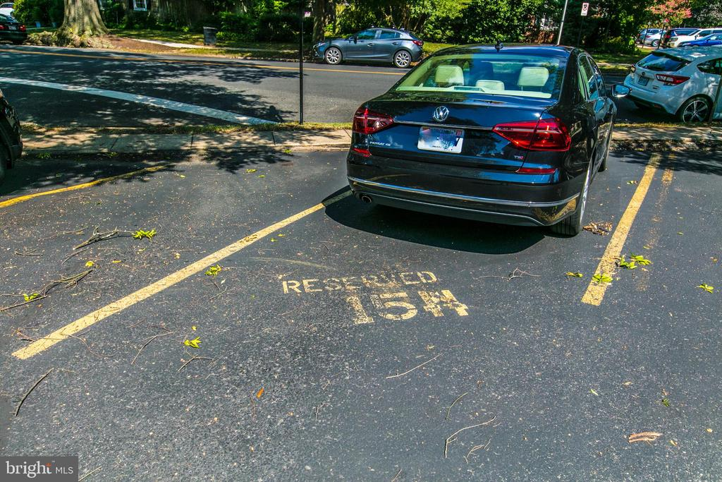 Rare Assigned Parking #154 - 4318 36TH ST S, ARLINGTON