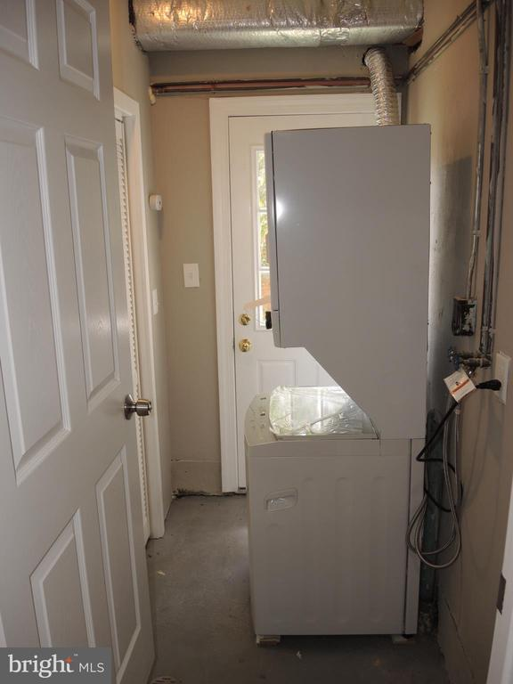 laundry /util~ ~ new HVAC system and washer dryer - 6914 SHEPHERD ST, HYATTSVILLE