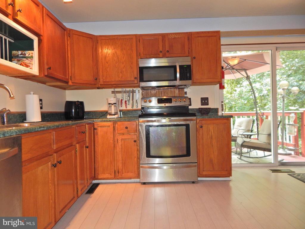 Full Kitchen view - 6200 MASSAPONAX DR, FREDERICKSBURG