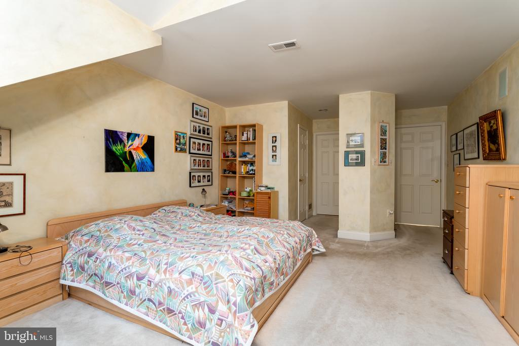 Master Bedroom - 11200 PAVILION CLUB CT, RESTON