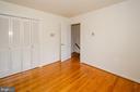 Bedroom 3 door  to hallway - 101 SW MORVEN PARK RD SW, LEESBURG