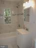 main level full bath - 6914 SHEPHERD ST, HYATTSVILLE