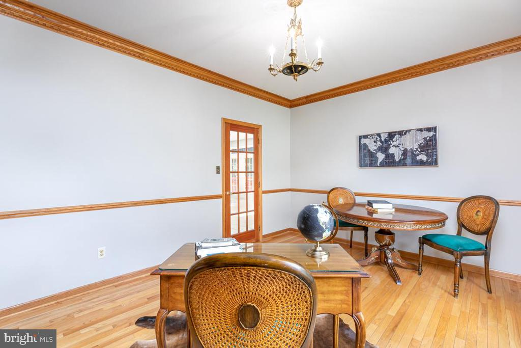 Office / Library - 13807 LAUREL ROCK CT, CLIFTON