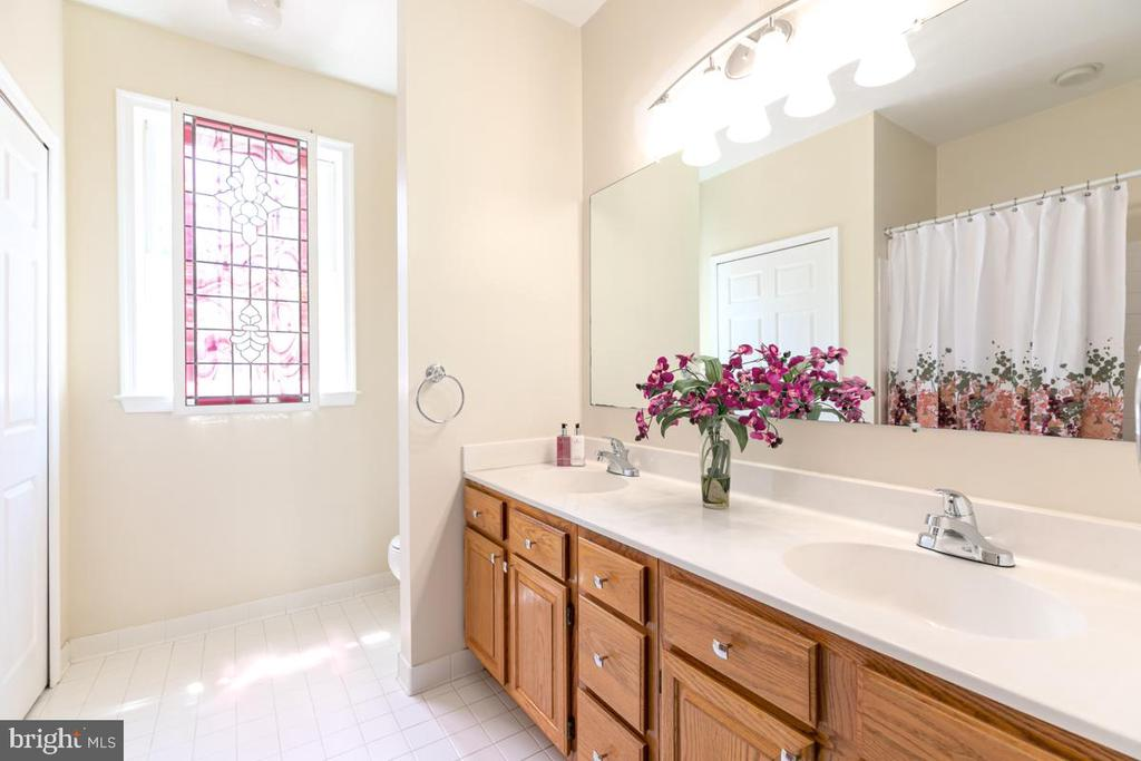 Bathroom #3 - 13807 LAUREL ROCK CT, CLIFTON