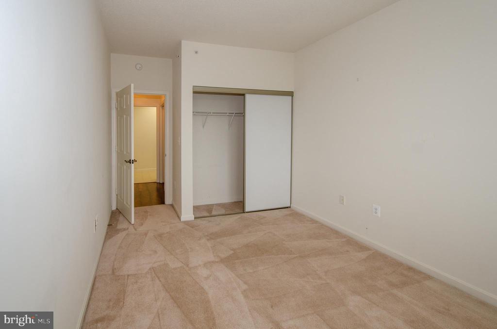 2nd bedroom - 19355 CYPRESS RIDGE TER #823, LEESBURG