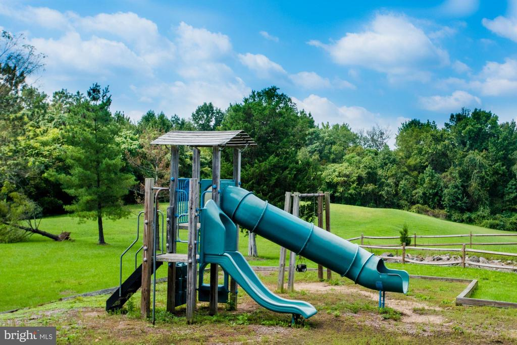 playground - 5821 ORCHARD HILL LN, CLIFTON