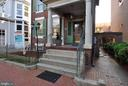 Welcoming front stoop - 611 CAROLINE ST, FREDERICKSBURG