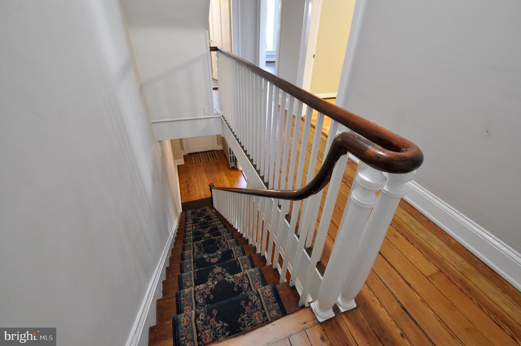 Stairway - 611 CAROLINE ST, FREDERICKSBURG