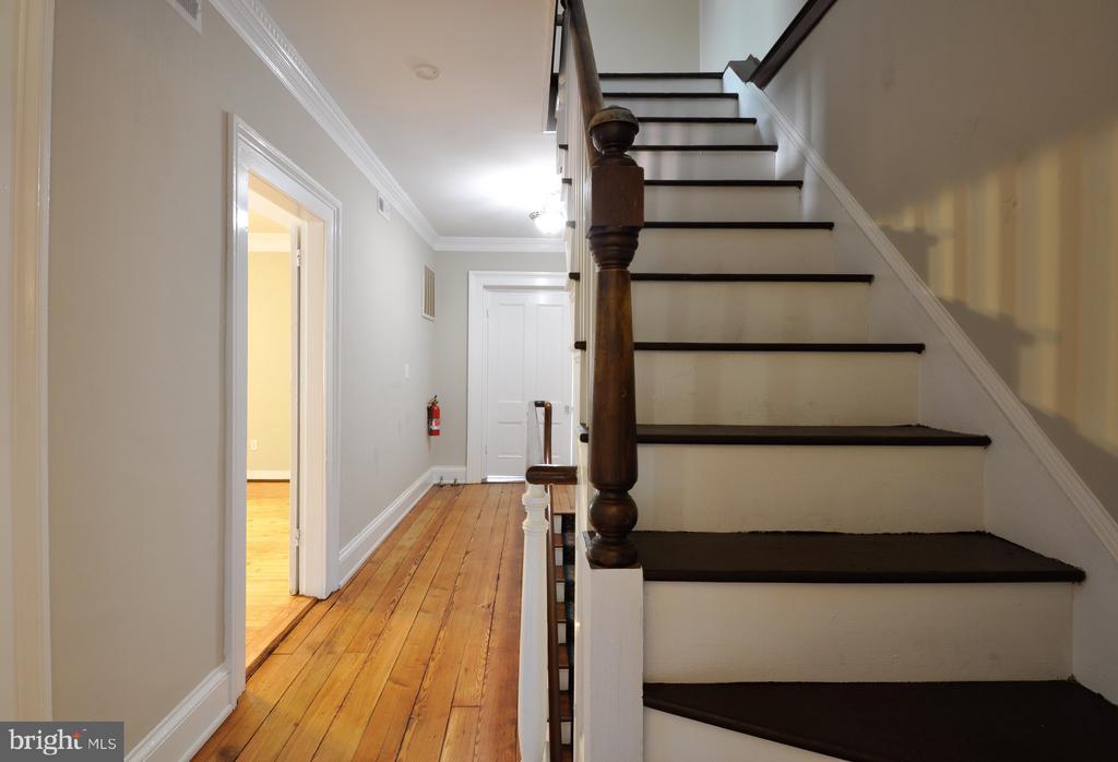 Stairway up to 3rd floor - 611 CAROLINE ST, FREDERICKSBURG