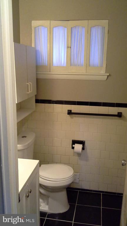 Upstairs Bath #2 - 3111 28TH PKWY, TEMPLE HILLS