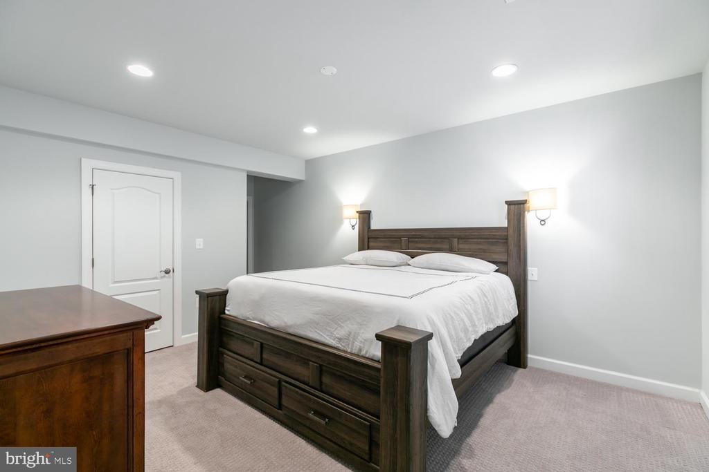 Basement guest suite - 18700 RIVERLOOK CT, LEESBURG