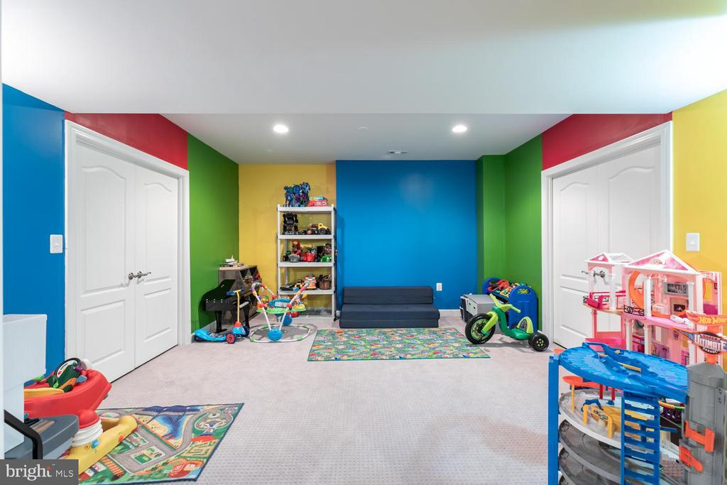 playroom - 18700 RIVERLOOK CT, LEESBURG