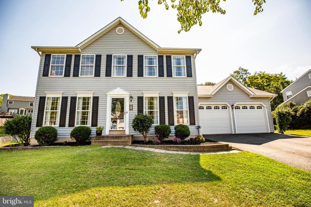 Charming Colonial on a quiet street - 5 ANTIETAM LOOP, STAFFORD
