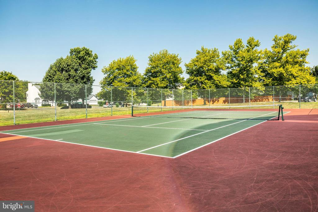 Even tennis courts! - 5 ANTIETAM LOOP, STAFFORD