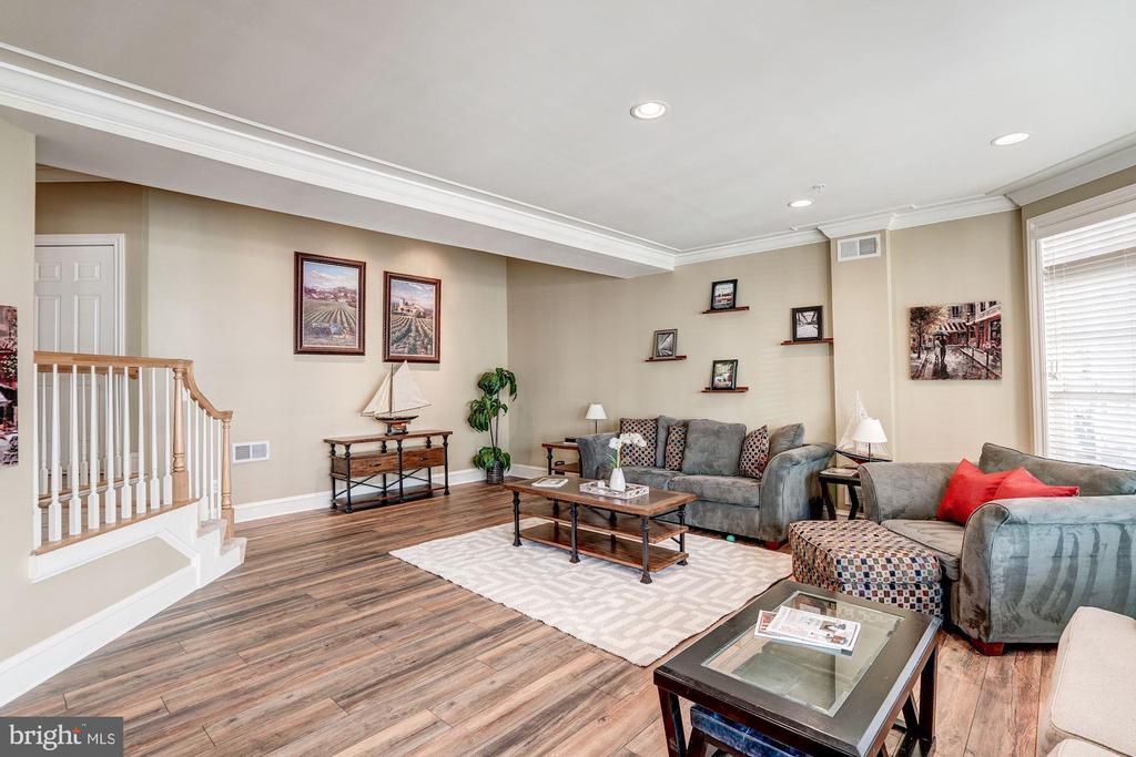 Custom wood floors lower level - 47834 SCOTSBOROUGH SQ, POTOMAC FALLS
