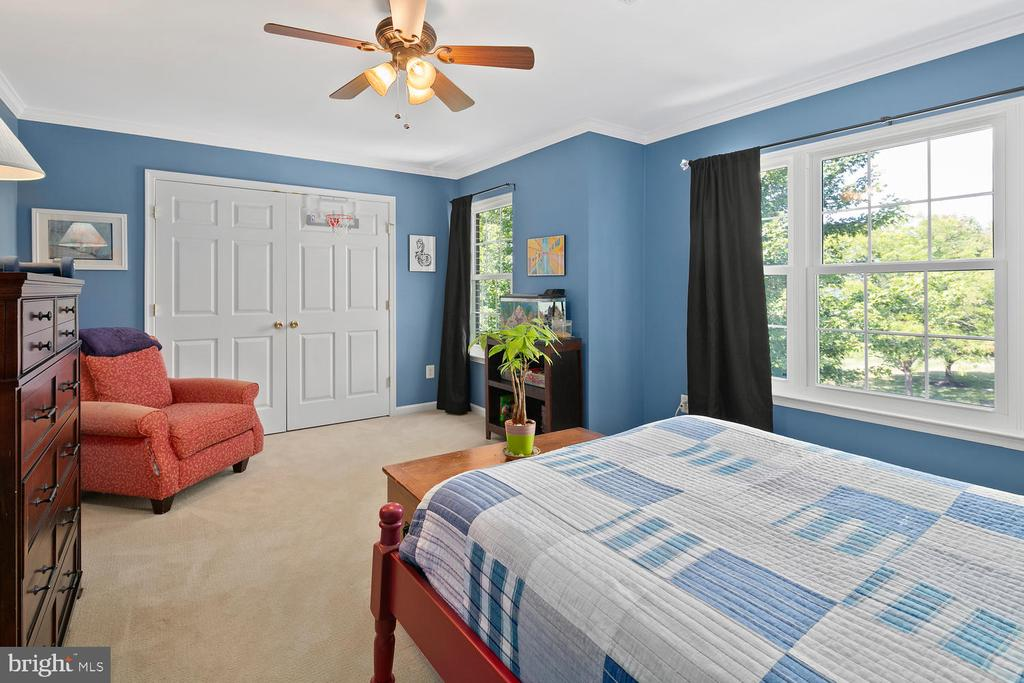Second Bedroom with sunlight - 21332 MARSH CREEK DR, BROADLANDS