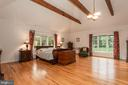 Extensive Vaulted Ceilings With Exposed Beams - 6401 STALLION RD, CLIFTON