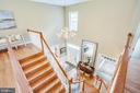 View of the foyer from the landing - 11305 HONOR BRIDGE FARM CT, SPOTSYLVANIA
