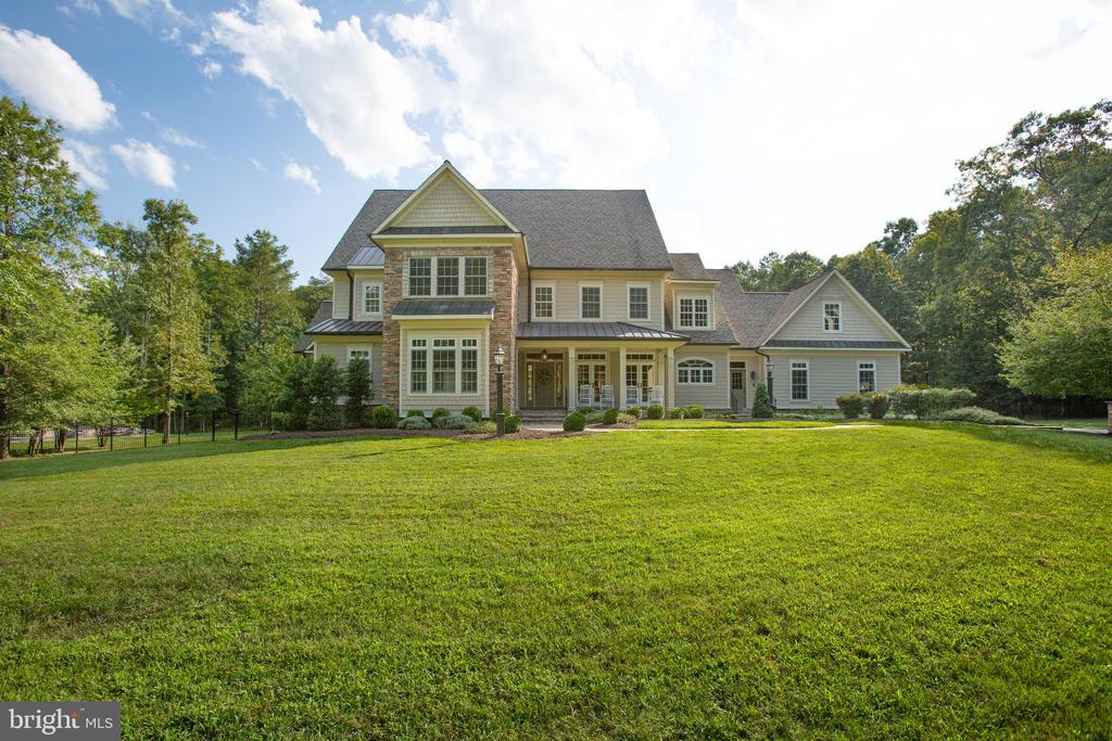 Gorgeous curb appeal! - 11305 HONOR BRIDGE FARM CT, SPOTSYLVANIA