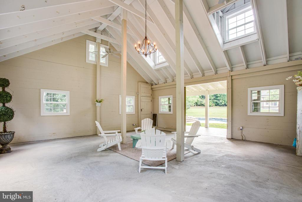 Chandelier!! - 11305 HONOR BRIDGE FARM CT, SPOTSYLVANIA