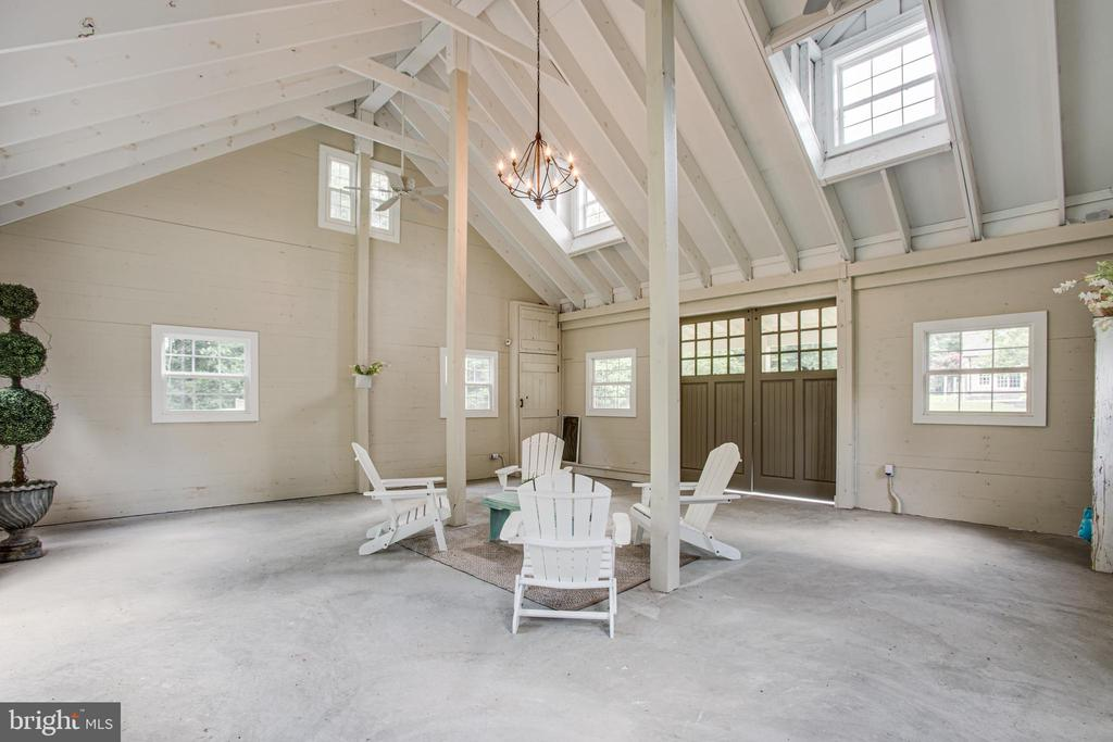 Imagine the get togethers here! - 11305 HONOR BRIDGE FARM CT, SPOTSYLVANIA
