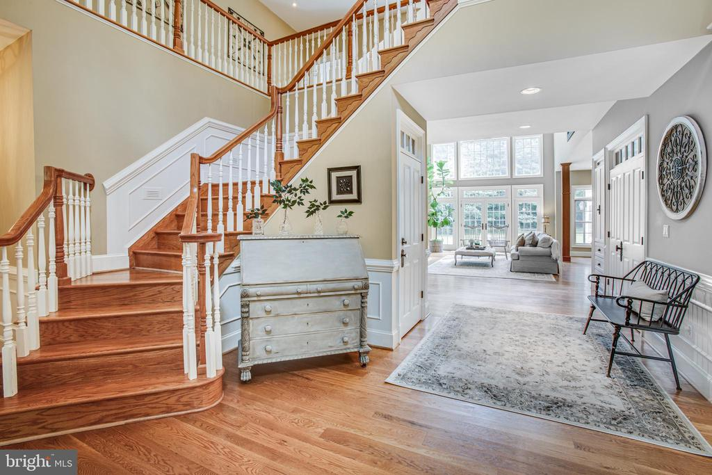Exquisite entrance! - 11305 HONOR BRIDGE FARM CT, SPOTSYLVANIA