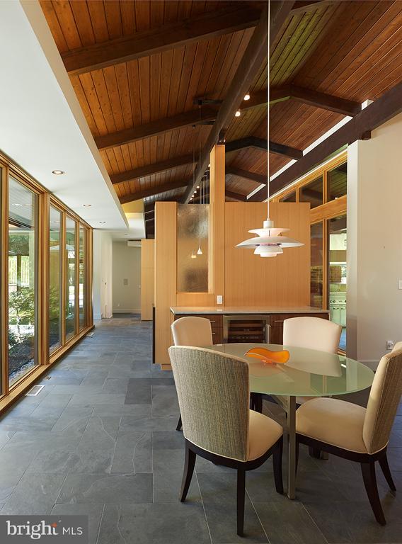 Wood beam ceilings - 4611 36TH ST N, ARLINGTON