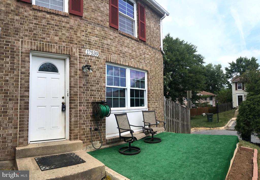 Front - 17539 AMITY DR, GAITHERSBURG