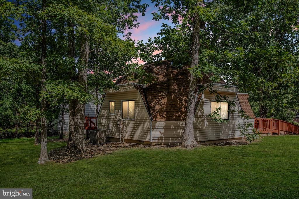 Twilight View of Home - 1010 LAKEVIEW PKWY, LOCUST GROVE