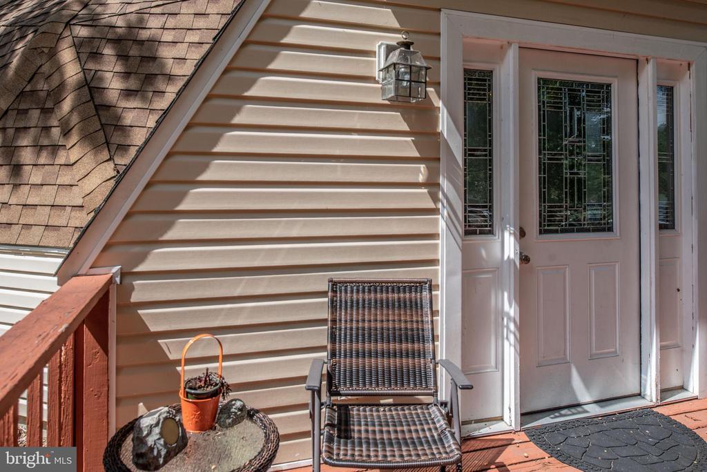 Front Door - 1010 LAKEVIEW PKWY, LOCUST GROVE