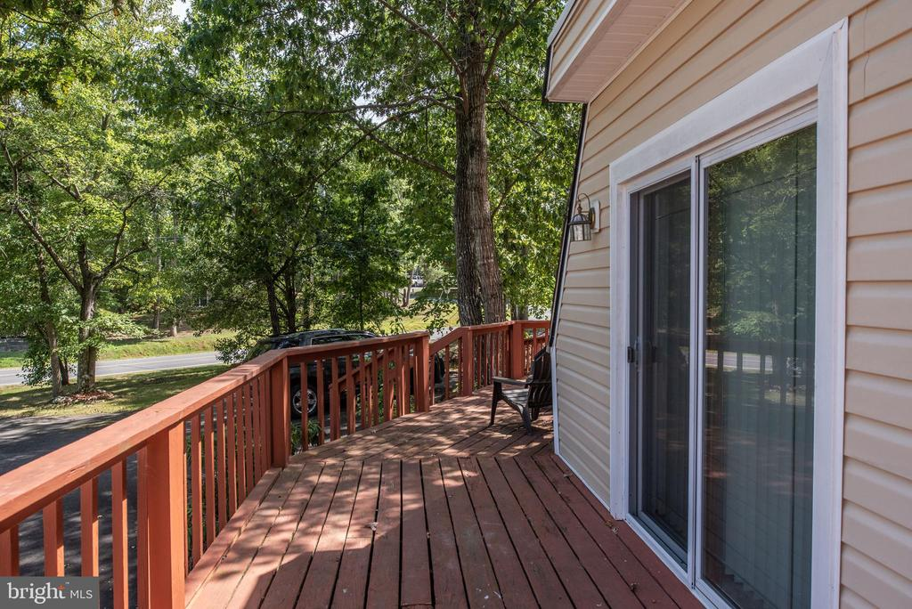 Sliding Glass Doors to Deck - 1010 LAKEVIEW PKWY, LOCUST GROVE
