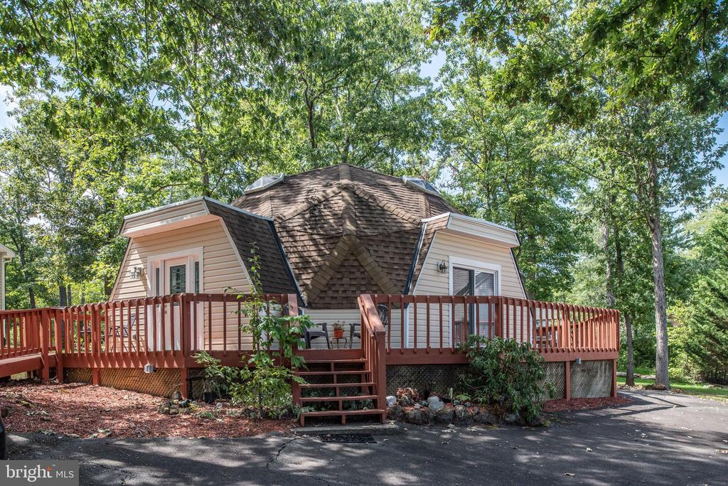 - 1010 LAKEVIEW PKWY, LOCUST GROVE
