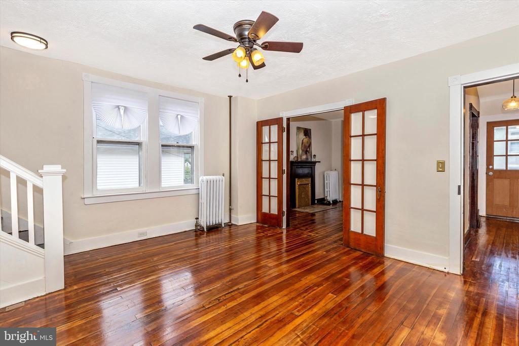 Beautiful restored hardwood floors - 192 W ALL SAINTS ST, FREDERICK