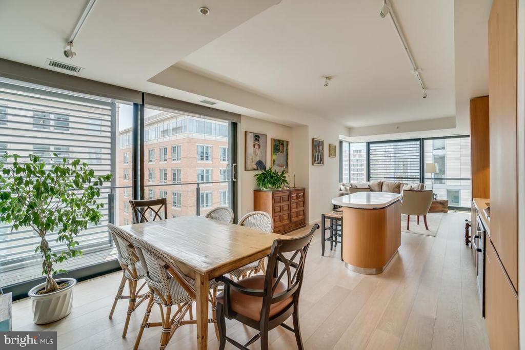 Open Floor Plan - Southern |  West Exposure - 925 H ST NW #802, WASHINGTON