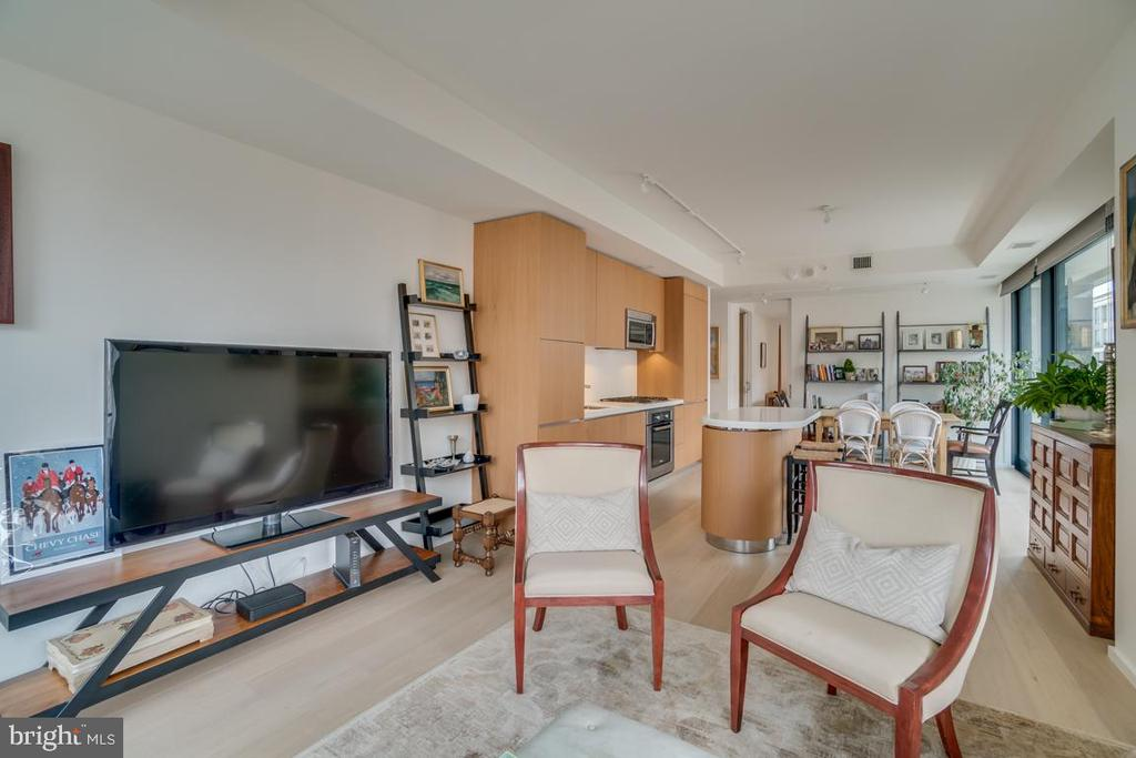 Open Floor Plan - Fam Rm - 925 H ST NW #802, WASHINGTON
