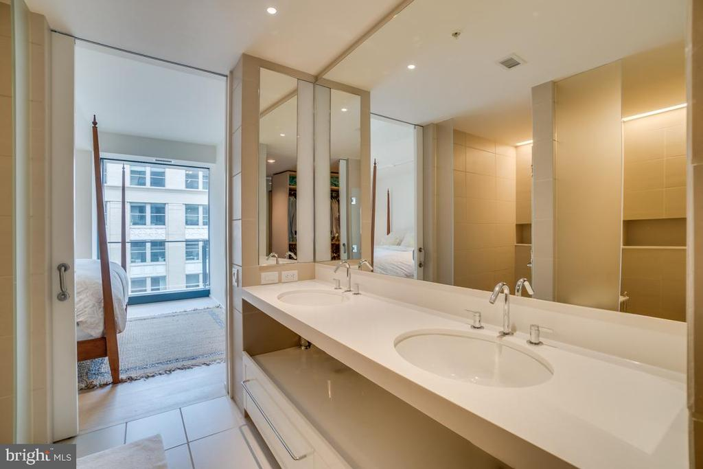 Double Vanity - Master Bath - 925 H ST NW #802, WASHINGTON