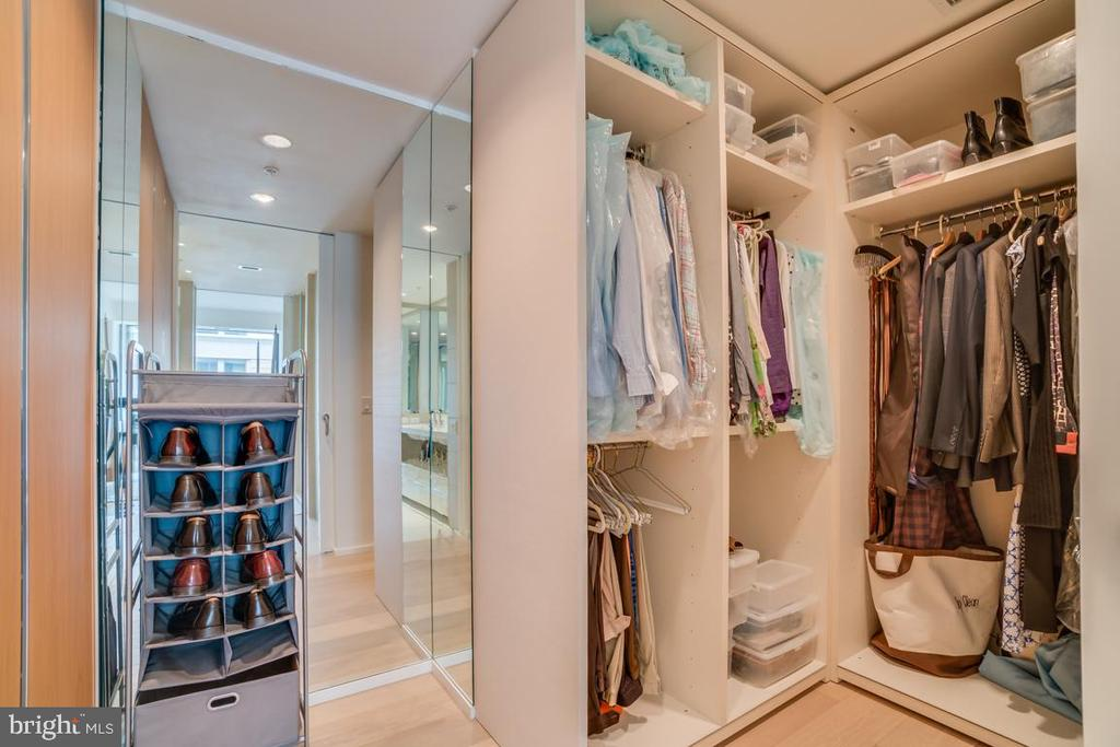 Custom Closets - Master Bedroom - 925 H ST NW #802, WASHINGTON