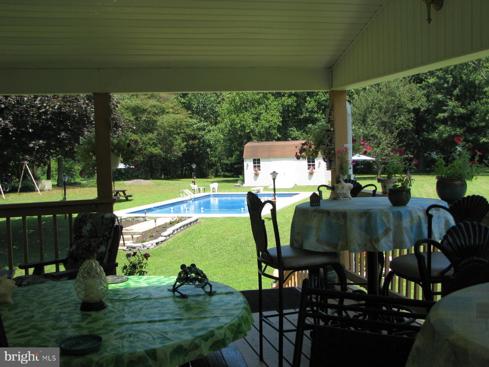 ROOF COVERED DECK