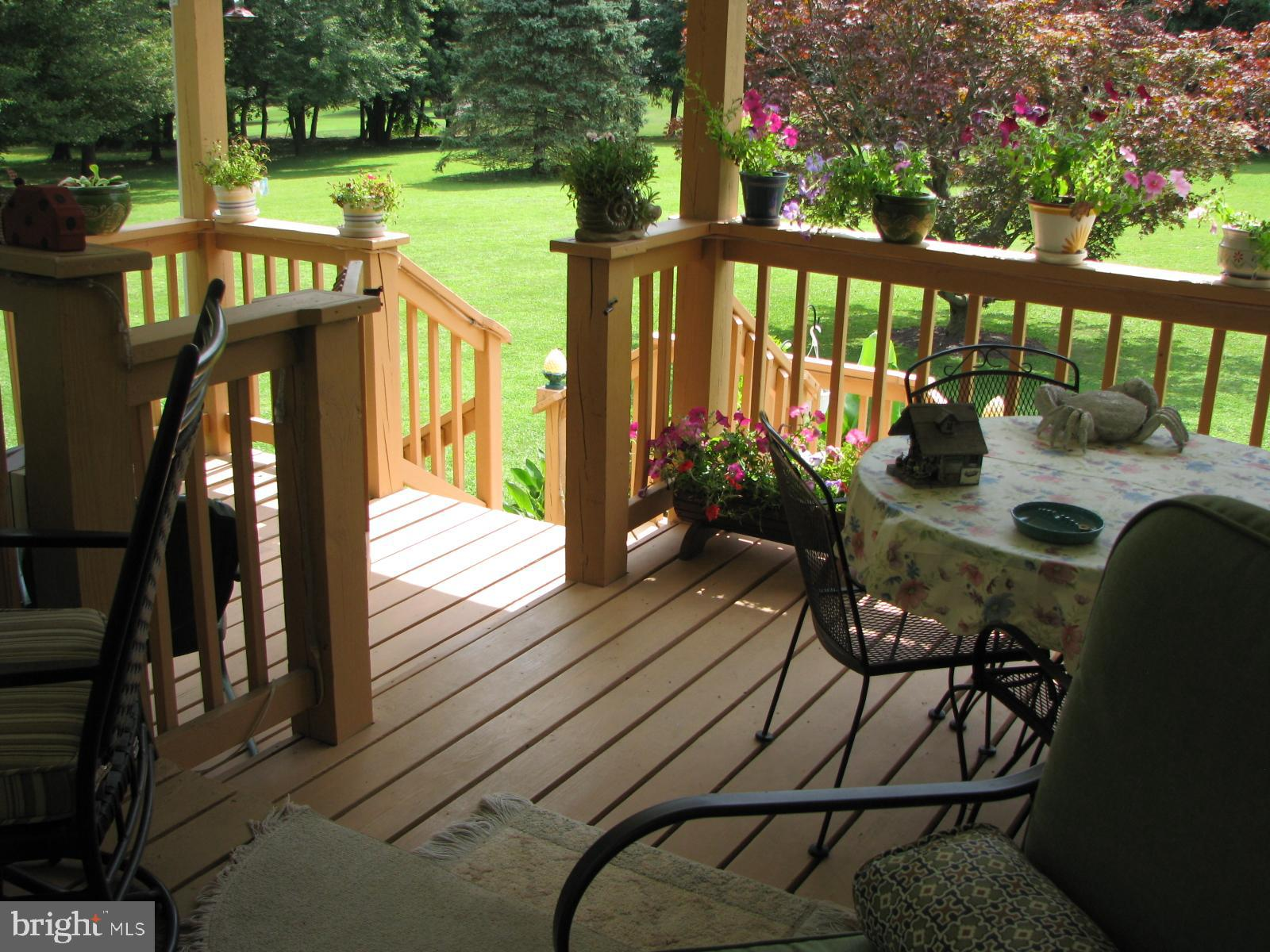 2ND LEVEL OF DECK
