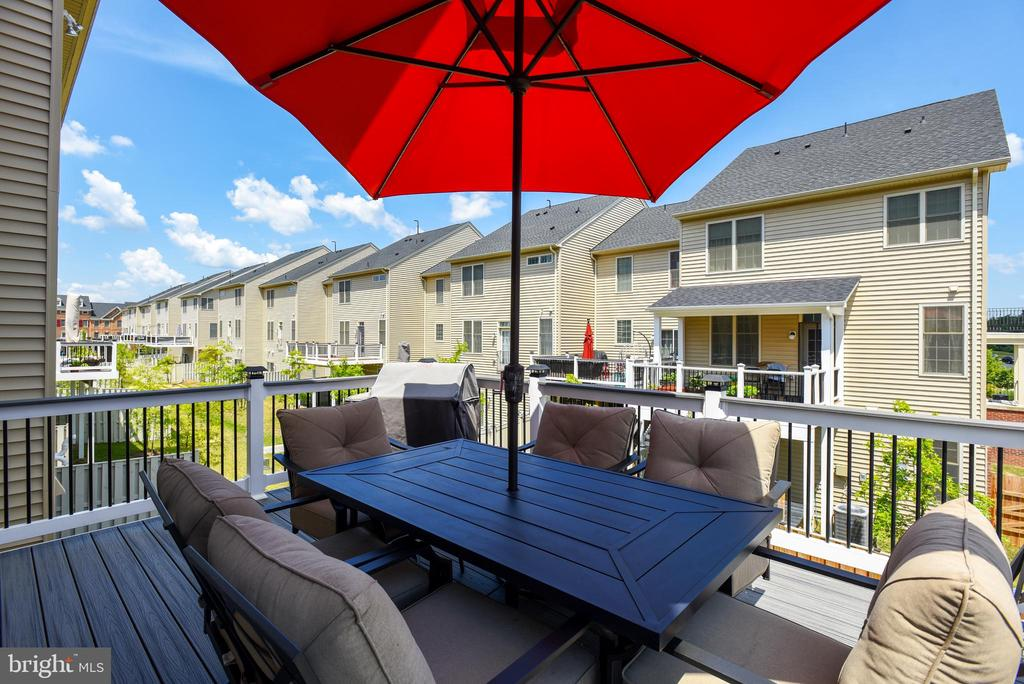 Composite Deck! - 42648 LANCASTER RIDGE TER, CHANTILLY