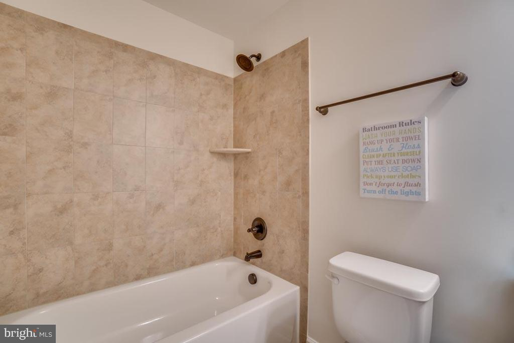 Full bathroom in Basement - 705 KESWICK DR, CULPEPER